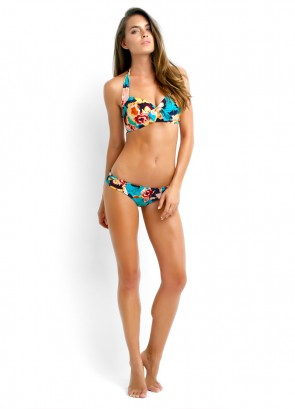 Kabuki Bloom Soft Cup Halter, Ruched Side Pant, Madagascar Sunglasses & Hit the beach Tote