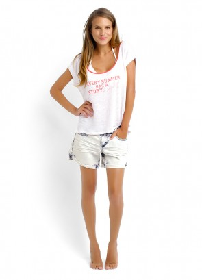 Side Walk Tee & Acid Wash Denim Short